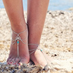 Fashionable foot chain with turquoise